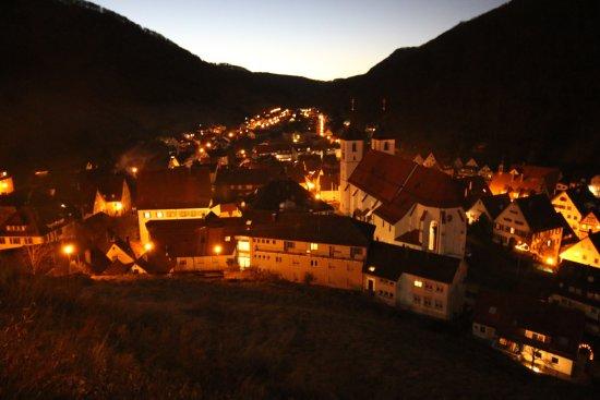 Wiesensteig, ألمانيا: Abendstimmung von der Terrasse/Biergarten aus
