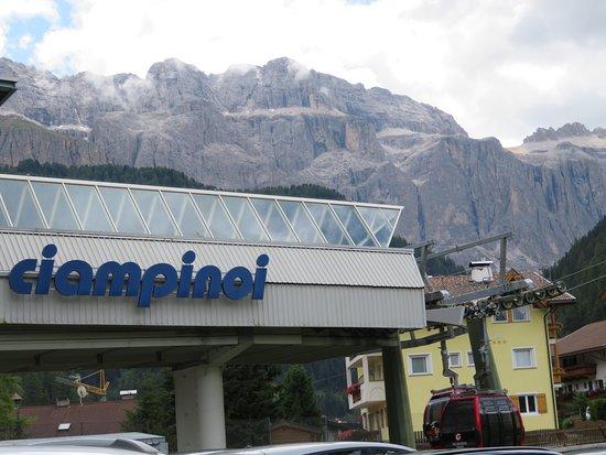 Ciampinoi: Right in the town