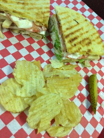 Commercial St Deli: Pita club