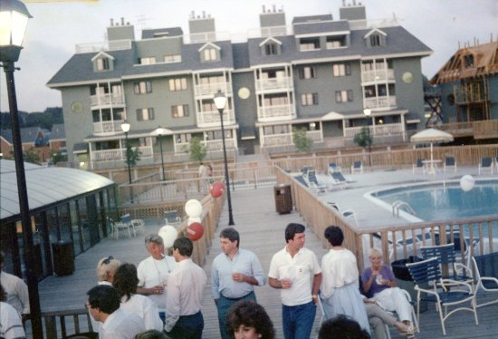 Wellington Resort: This is clearly an old photo! I'm guessing the 80's?