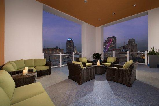 Hilton Garden Inn San Antonio Downtown Hotel Reviews Photos Rate Comparison Tripadvisor