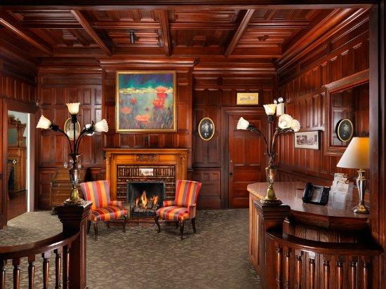 Pendray Inn and Tea House lobby