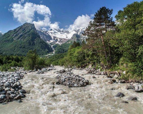 Republic of North Ossetia-Alania, Russia: Дигорское ущелье, река Танадон