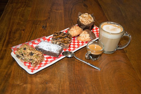 Cambridge Bay, Канада: Freshly baked goods and specialty coffee always available