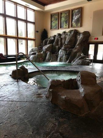 Lodge at Whitefish Lake: Pool in Viking lodge