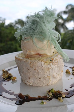 Peregian Beach, Австралия: Passionfruit Roulade