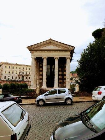 Tempio di Portuno: Kleiner, gut erhaltener Tempel