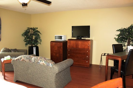 Forestville, Canada: mini-suite