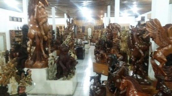 Budiasa Art Gallery and Wood Carver