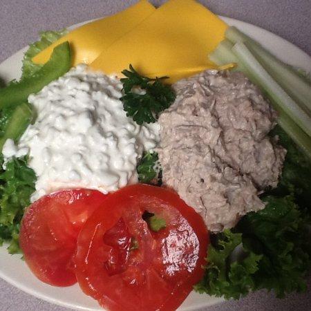 Cuba, NY: Tuna Salad plate