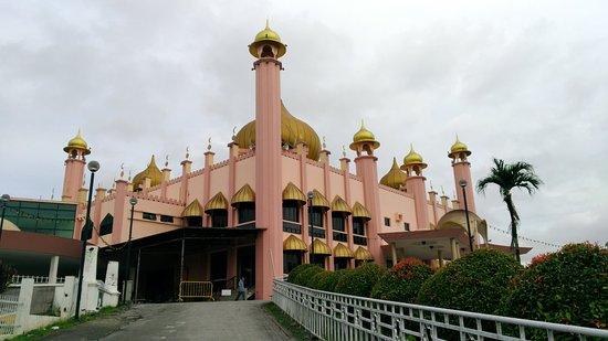 Kuching Mosque : P_20180126_102936_vHDR_Auto_large.jpg