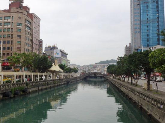 Keelung 12 Zodiac Bridge