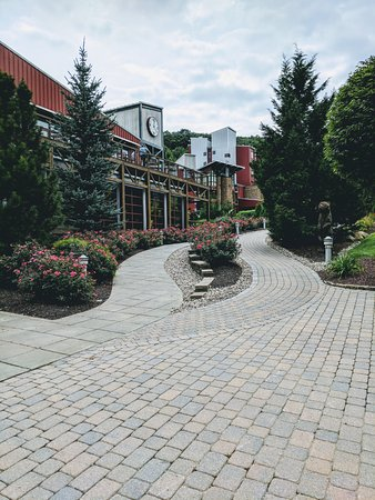 Macungie, PA: More outside - its like a little village