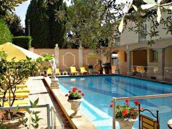Inter Hotel Mireille : Pool