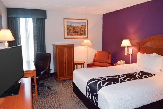 Johnson City, NY: Guest room