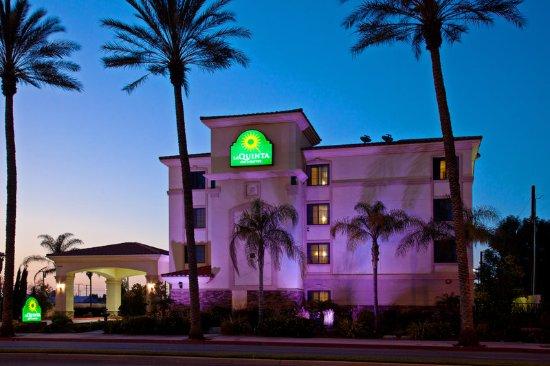 La Quinta Inn & Suites NE Long Beach/Cypress : Exterior
