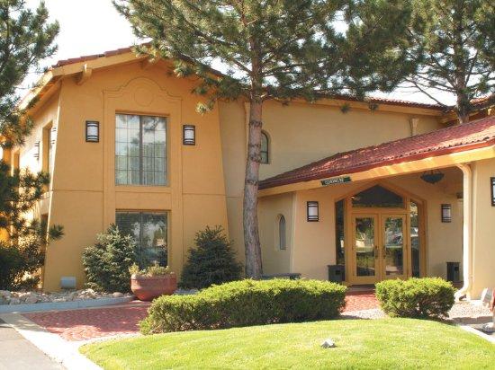 La Quinta Inn Denver Aurora: Exterior
