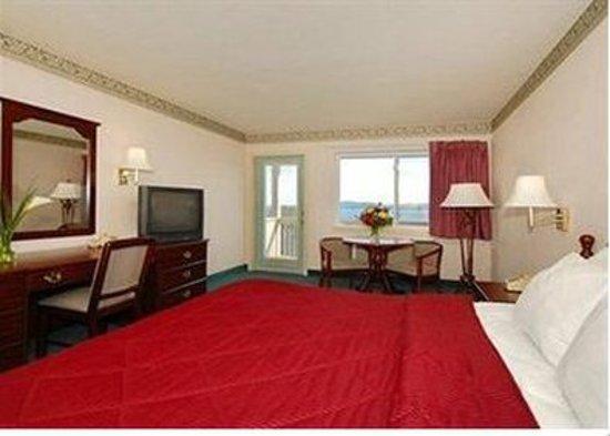Belfast, Maine: Guest room