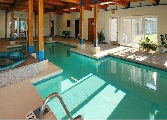 Belfast, Maine: Pool