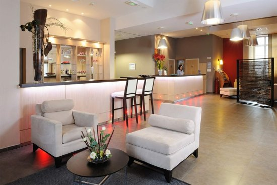Residhome appart hotel caserne de bonne 74 8 0 for Residhome appart hotel