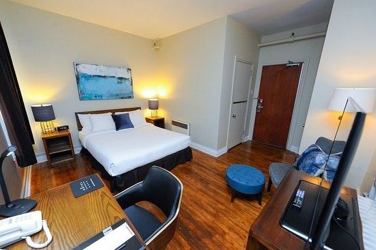 Hotel Chicoutimi: Guest room