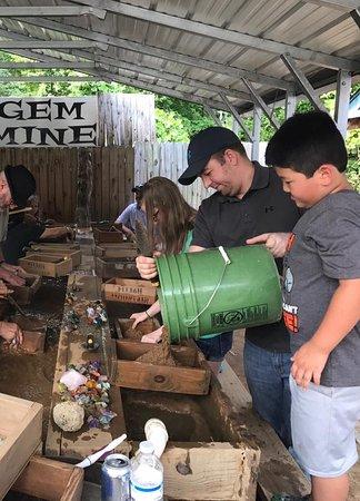 Elijah Mountain Gem Mine: love the outdoor mining area