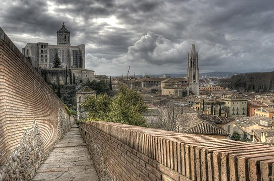 Girona Walking Tour with Cathedral...