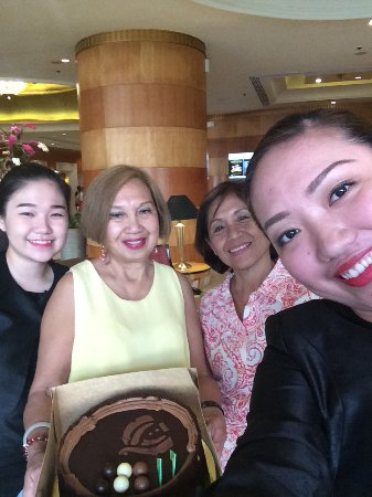 Pan Pacific Manila: Birthday surprise from Geraldine and Jalyn