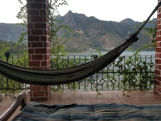 Eco Hotel Uxlabil Atitlan: 20171206_172858_large.jpg