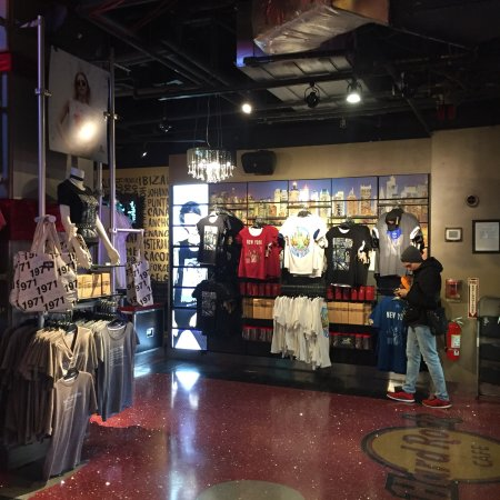 Hard rock cafe new york omd men tripadvisor for 1501 broadway 12th floor new york ny 10036