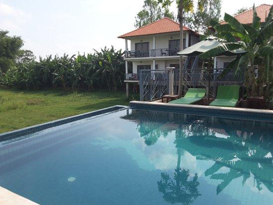Koh Dach, Καμπότζη: Chambres en arrière plan avec vue à droite sur le mekong