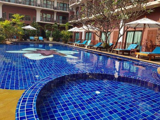 Mike Beach Hotel Pattaya