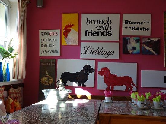 Laatzen, Germany: Farbenfrohes Interieur