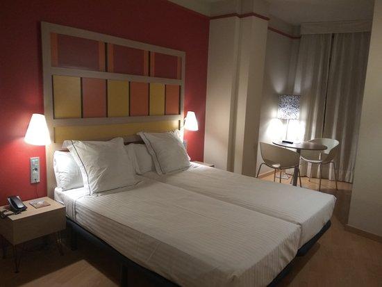 Hotel Ciutat de Barcelona : Habitación doble