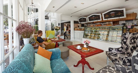 Woodlands Suites Serviced Residences: La Baguette serving Pattaya's best pastries and cakes