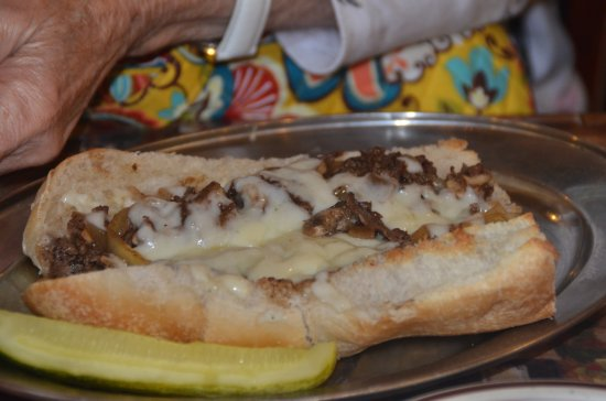 Angelina's Pizzeria: Steak with cheese sub