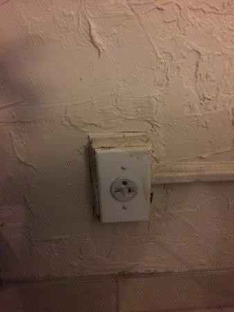 Ramrod Key, FL: Prise électrique non fonctionnelle
