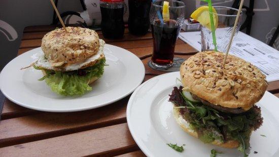 Bolków, Polska: Onze heerlijke hamburgers