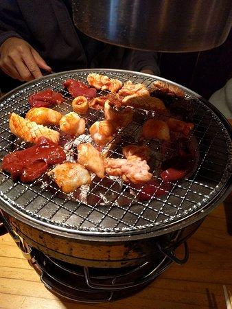 Hormon Hompo Hono Ueno Ekimae: 七輪焼肉