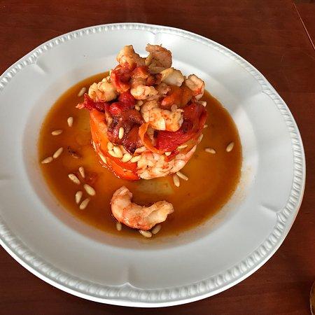 Pozoblanco, Spain: Rico plato de pimientos asados, con gambas y langostinos