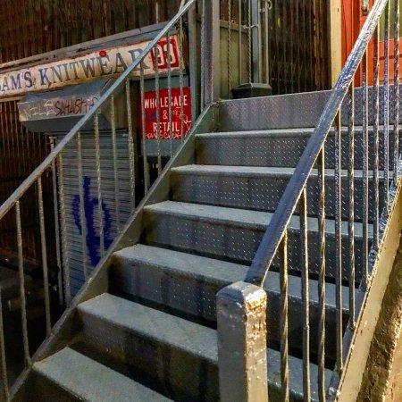 Tenement Museum : Steps