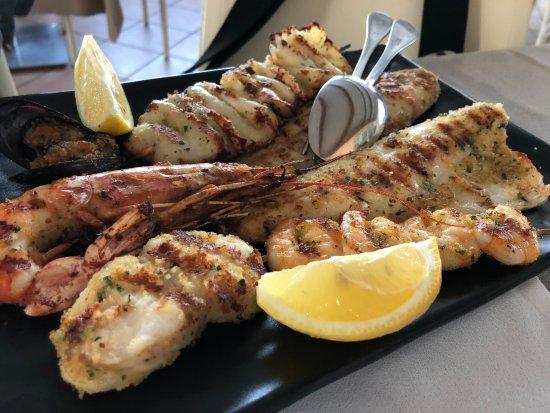 Ristorante da Carlo : 魚介の串焼きが美味い