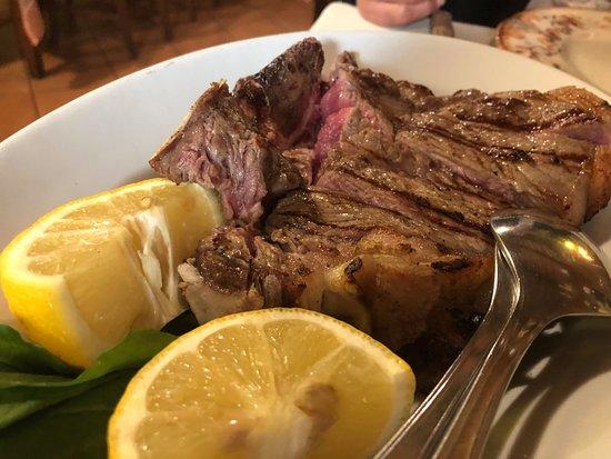 La Nena: このボリュームのある肉の味が忘れられない