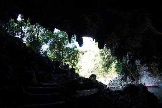 Kong Lor Cave: cave2