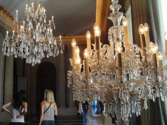 Palacio Duhau - Park Hyatt Buenos Aires: Chandeliers!