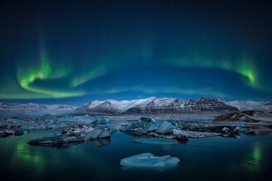 写真Iceland Aurora Photo Tours - Day Tours枚