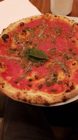 Piadina-Bar Margherita: Pizza Napoli