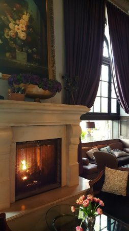 The Culver Hotel: Warming fire during wintertime.