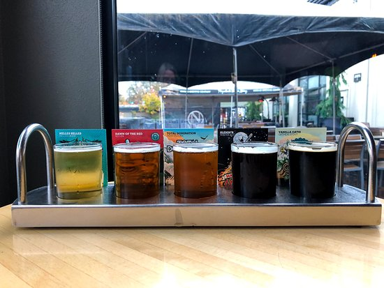 Eugene, OR: beer flight
