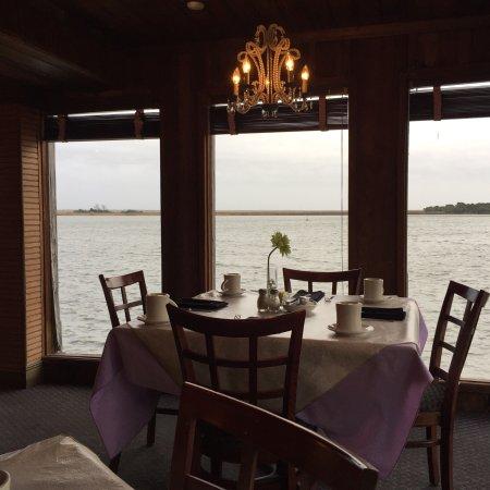 Caroline's Dining on the River: photo1.jpg